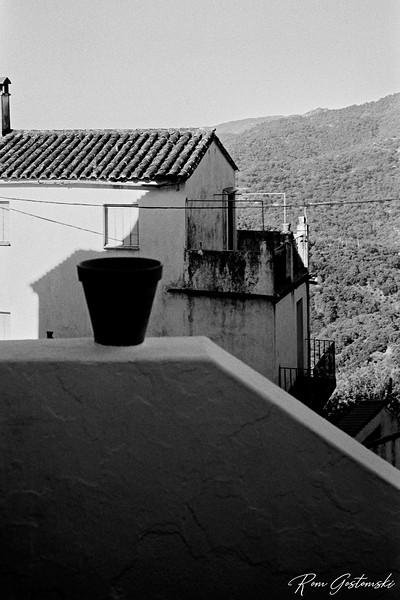 The empty flowerpot - Genalguacil