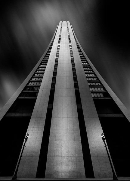 #usa #blackandwhitephotography #blackandwhite #monochrome #bnw #bnwphotography #chicago #lookingup #architecturelovers #architecture #architexture  #architecturephotography #ic_architecture #jj_architecture   #picofday<br /> #archdaily #archilovers #archimasters #ig_architecture<br /> #architecture_hunter #bucketlist #welivetoexplore #bestvacations #travelawesome #bestplacestogo
