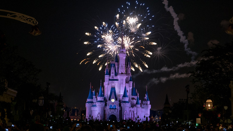 Spectacular light show & fireworks over the Disney Castle!