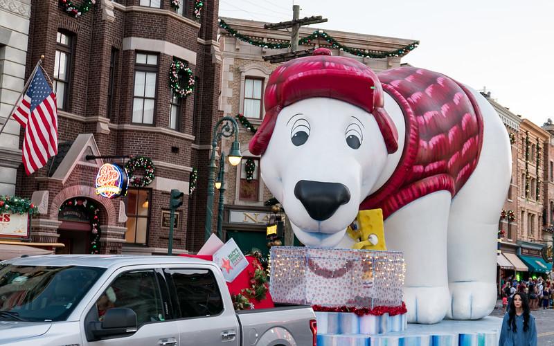 Polar Bear balloon float