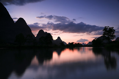 Tranquil Yulong river scenery