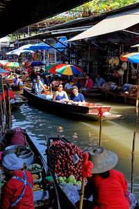 Damnoen Saduak Floating Market, Thailand (5)