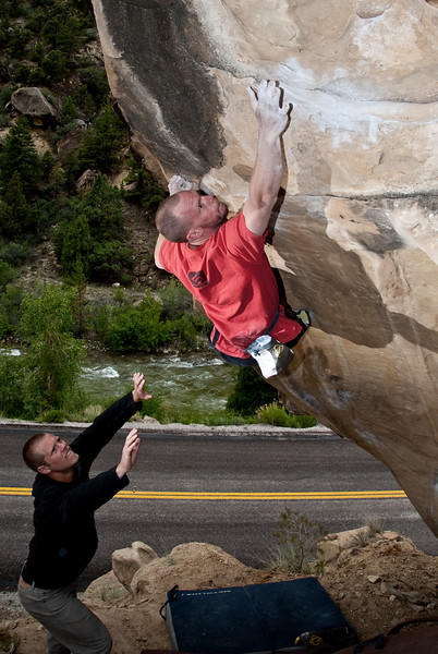 It's must be nice to flash V9. Ryan sticking the throw on Worst Case Scenario.