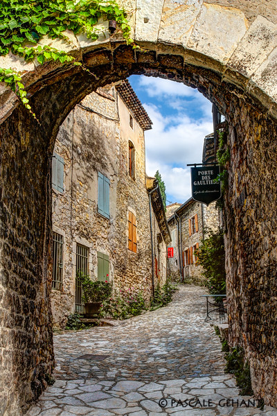 Village of Provence 3