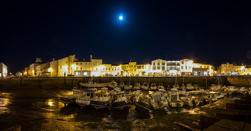 Blue moon rising, this panorama was taken at low tide in Saint martin, on ile de Re on the French Atlantic coast of France.