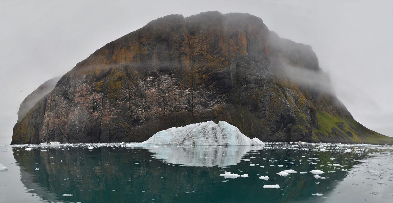 Rubini Rock, Tichaya Bay