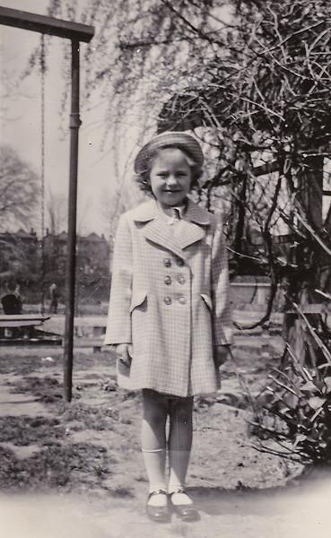 1945 04 joan easter