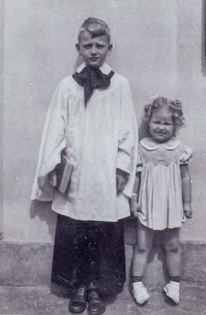 1942 Joan Dick
