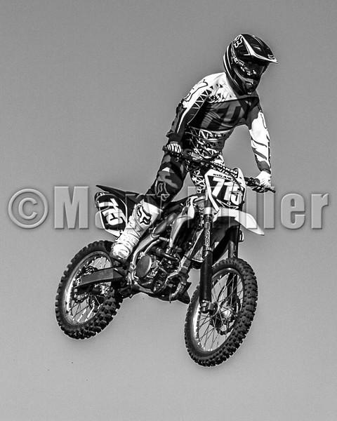 Motorcross Flying BW