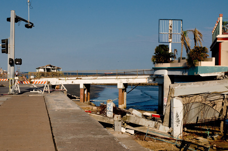 081023_Galveston post Ike_047