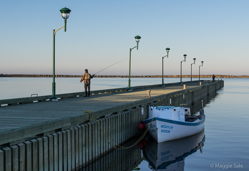 Evening fishing at the small craft harbour at Rivière-au-Renard
