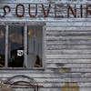 Abandoned souvenir store near Percé