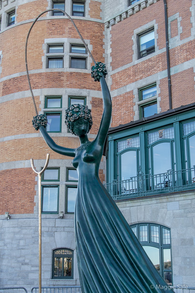 A Salvador Dali sculpture in front of the Chateaux Frontenac - yours for a cool $2 million!