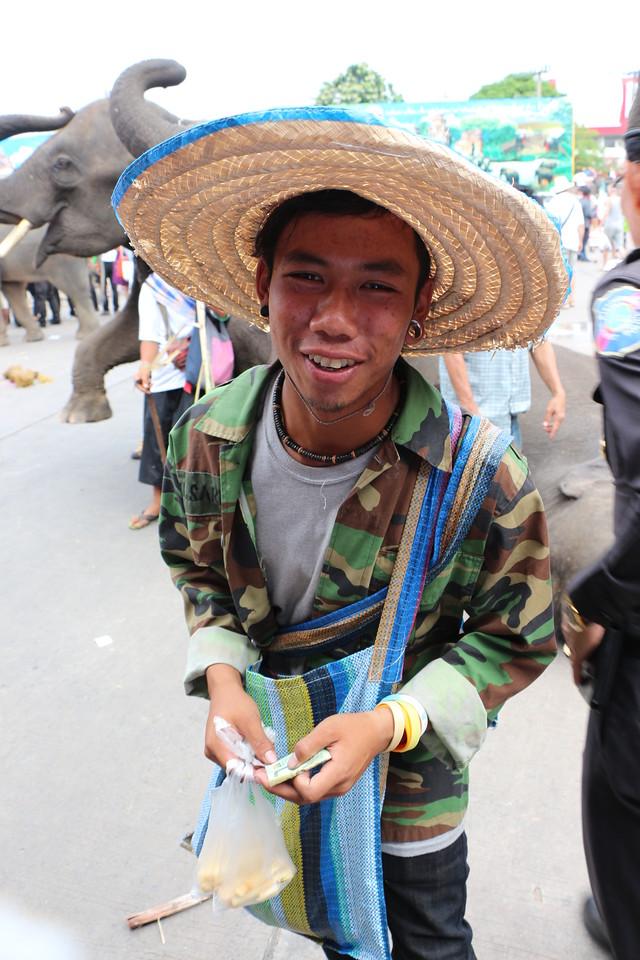 2014-11-14 Surin Elephant Welcome Feast 674