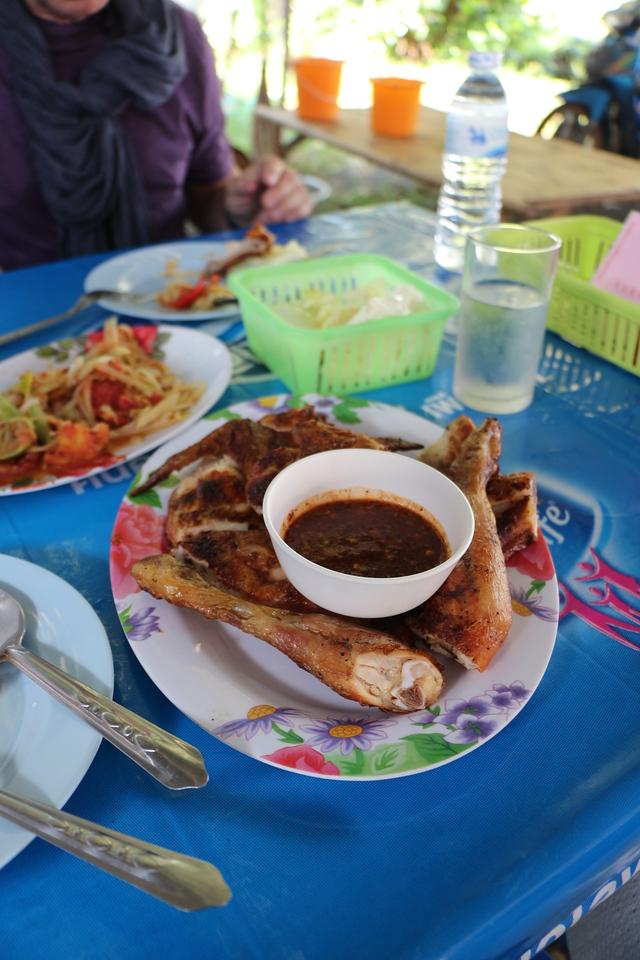 2014-11-14 Surin Elephant Welcome Feast 921