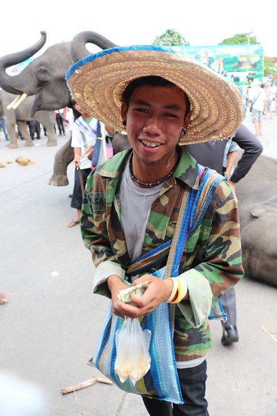 2014-11-14 Surin Elephant Welcome Feast 675