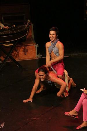 2014-11-27 Phare Cambodian Circus 114