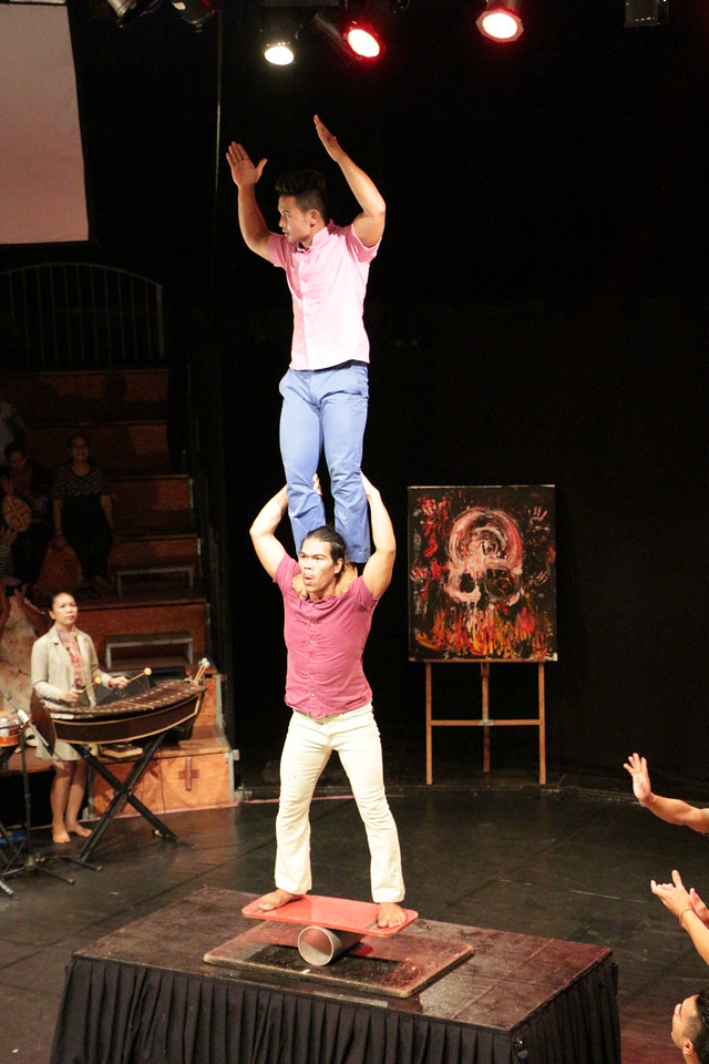 2014-11-27 Phare Cambodian Circus 082