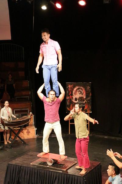 2014-11-27 Phare Cambodian Circus 084