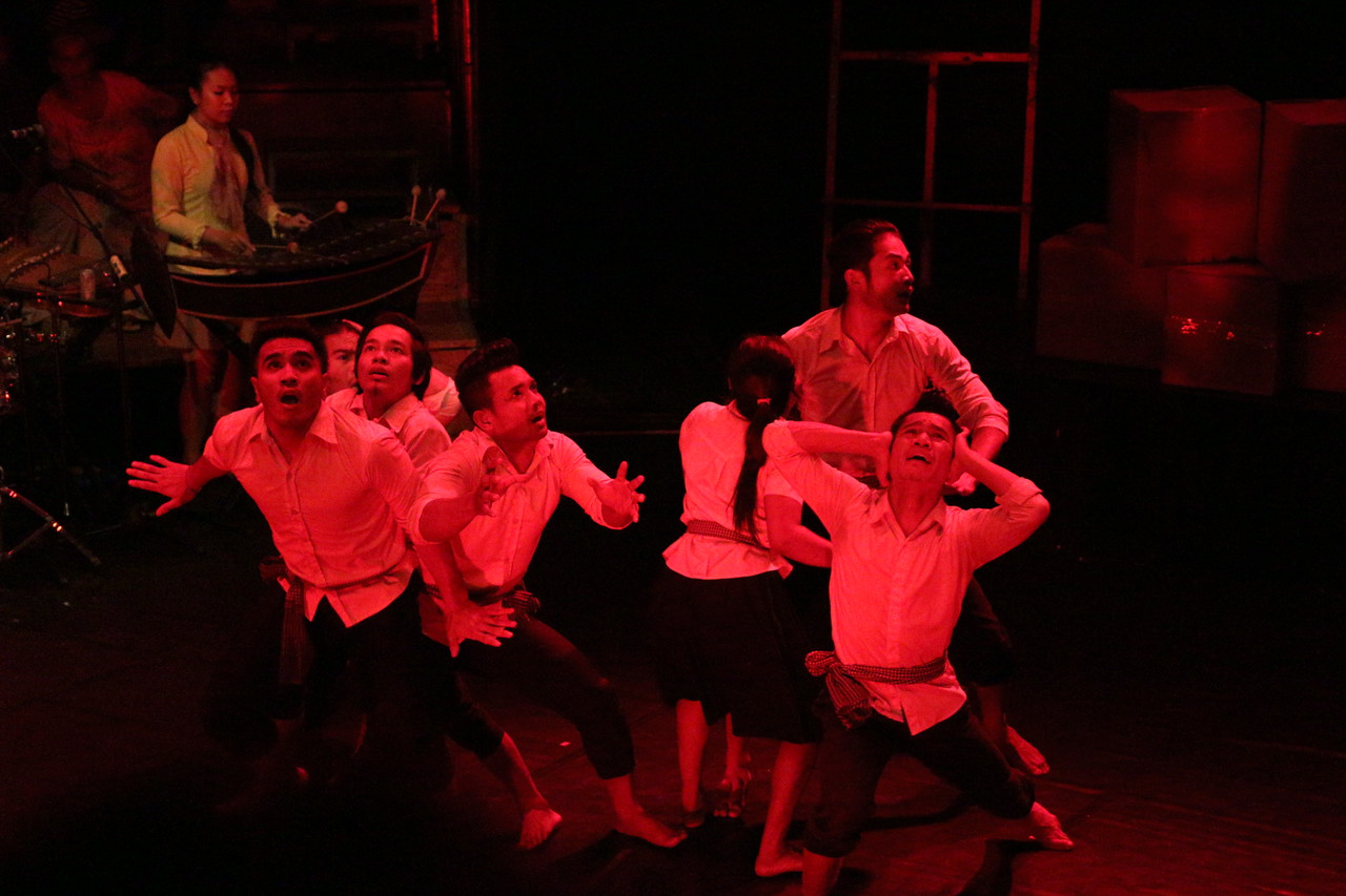 2014-11-27 Phare Cambodian Circus 017