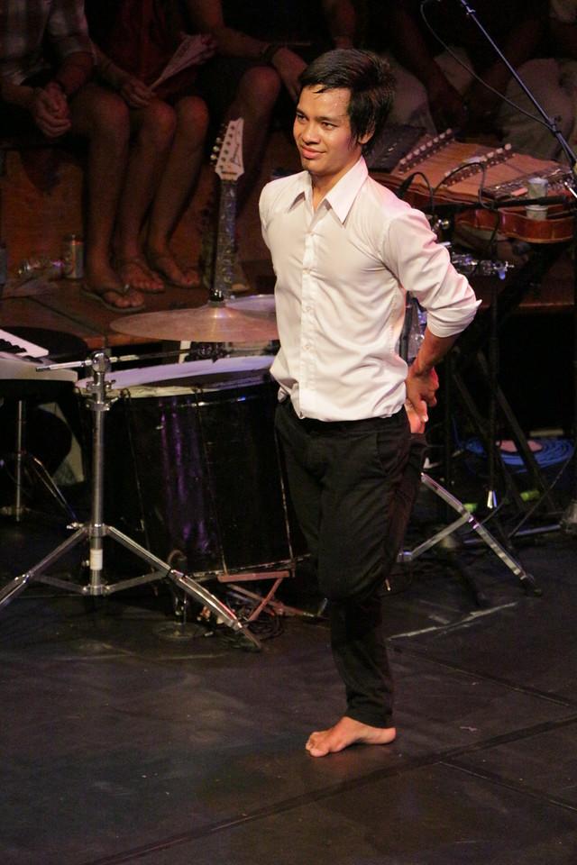 2014-11-27 Phare Cambodian Circus 154