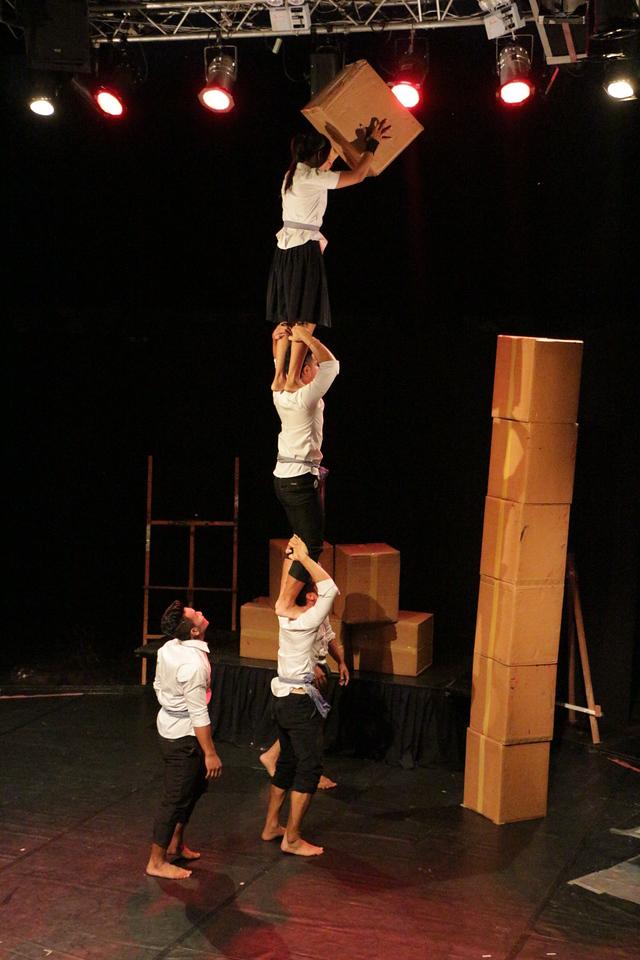 2014-11-27 Phare Cambodian Circus 010