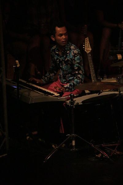 2014-11-27 Phare Cambodian Circus 018.JPG