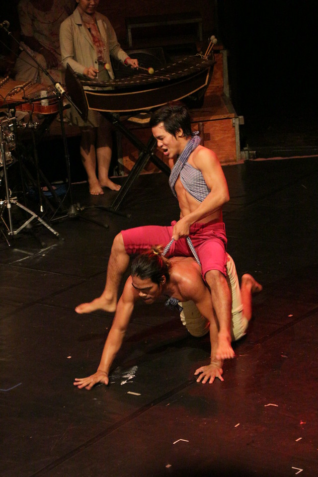 2014-11-27 Phare Cambodian Circus 117