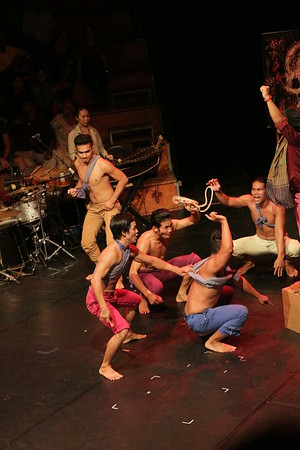 2014-11-27 Phare Cambodian Circus 128