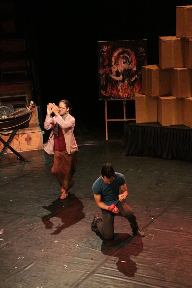 2014-11-27 Phare Cambodian Circus 138
