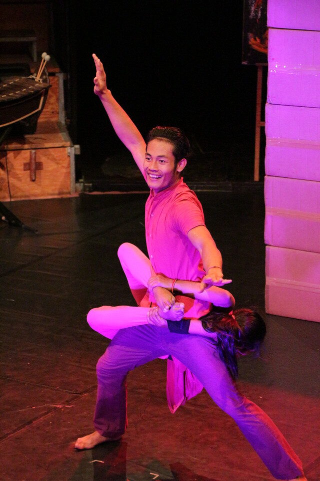 2014-11-27 Phare Cambodian Circus 061
