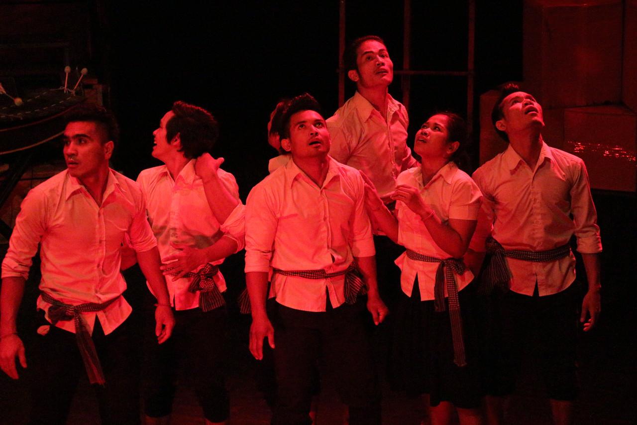 2014-11-27 Phare Cambodian Circus 016
