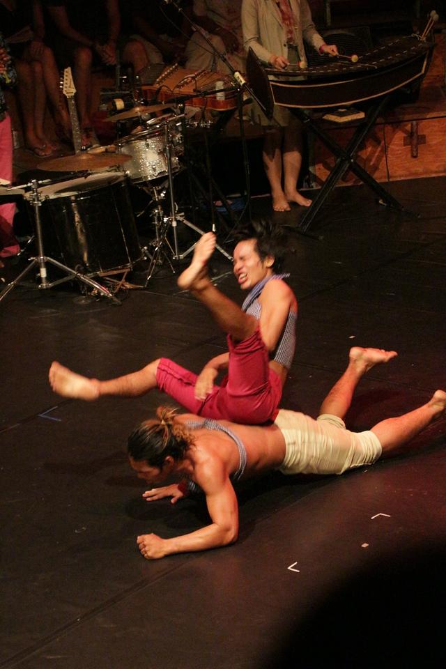 2014-11-27 Phare Cambodian Circus 119