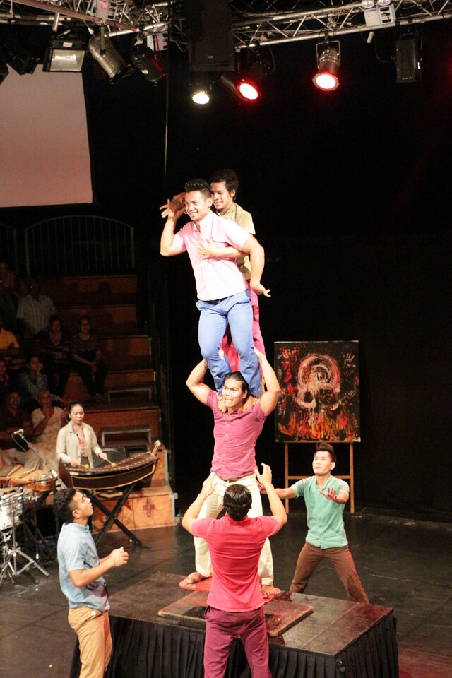 2014-11-27 Phare Cambodian Circus 094