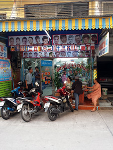 11-15-13 Jomtien Hollywood Barber 081