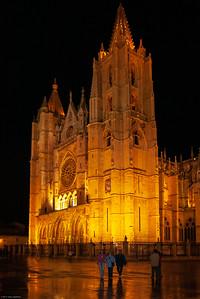Santa María de León Cathedral (House of Light or the Pulchra Leonina)
