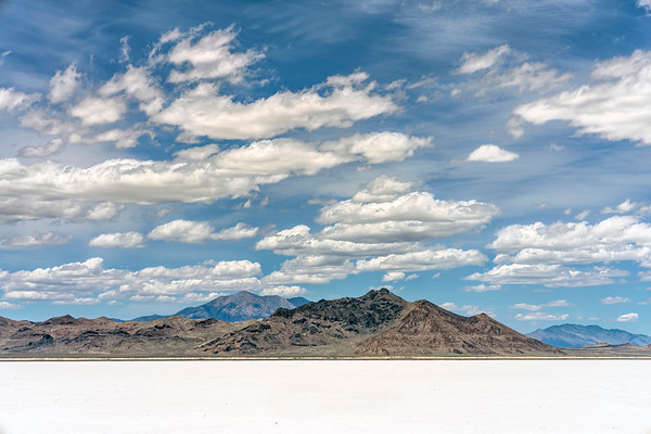 Midday at the Alvord Desert