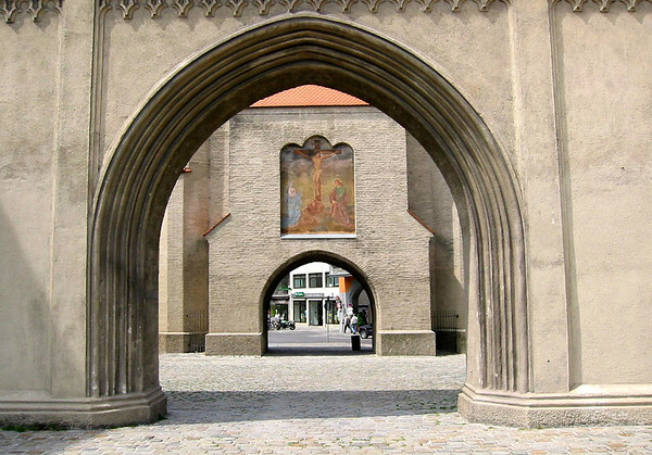 Thru the Isartor (Isar Gate) - with the crucification of Christ painted in a niche of the Isartor - Munich