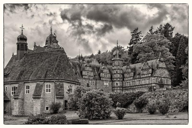 Schloss Hämelschenburg    buildt 1588-1613