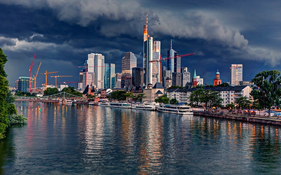 Frankfurt Main River Skyline (2)