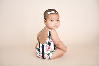 Baby girl 6 months