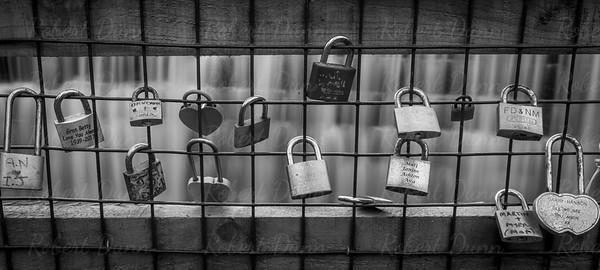 Rouken Glen Park padlocks