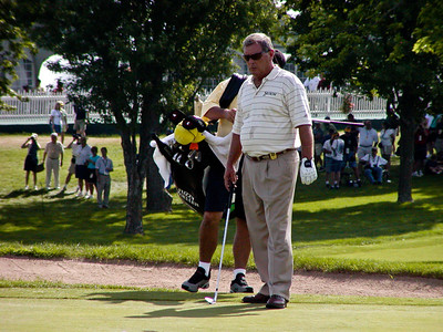 Fuzzy Zoeller on hole 9 green