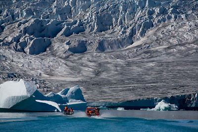 Speedboats approaching the Ice Cap.