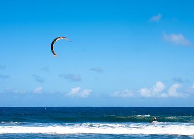 Kitesurfing at Waipio Beach