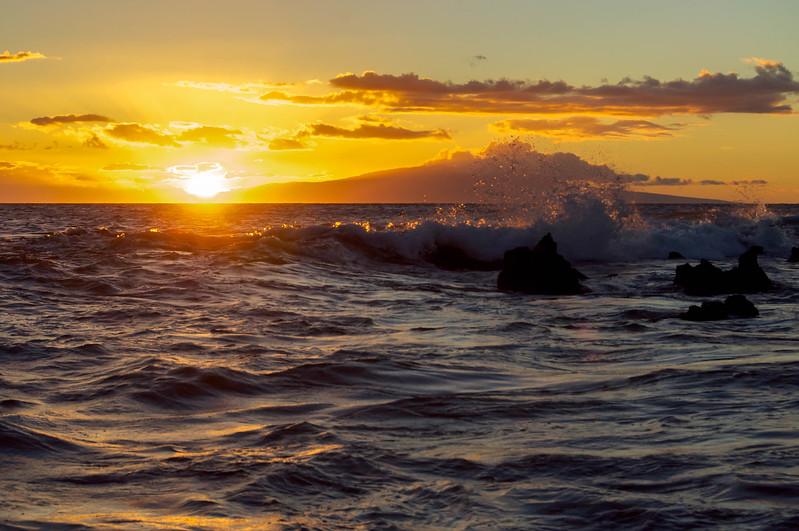 Sunset's Pacific Crashing Waves