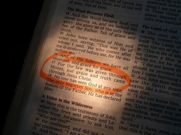 Joh 1:17