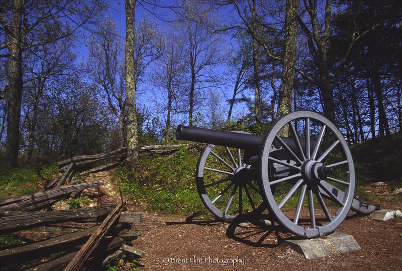 S.2920 - Civil War cannon at Cumberland Gap, Cumberland Gap National Historic Park, KY.