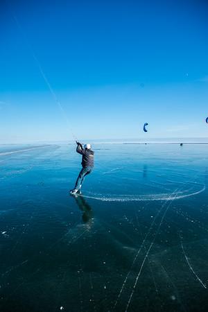 Ice Kiting - Turn