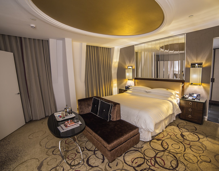 Sheraton Grand London Park Lane - Park View Suite - Bedroom